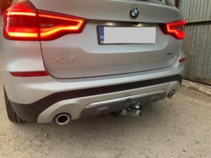 BMW Warszawa - montaż haków holowniczych